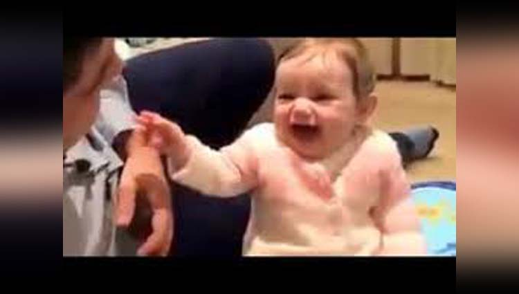 A Little Kid Is Amazingly Reciting The Whole Nursery Rhyme