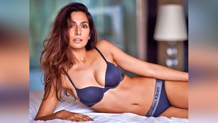 Khatron Ke Khiladi Contestant Monica Dogra Topless Photoshoot