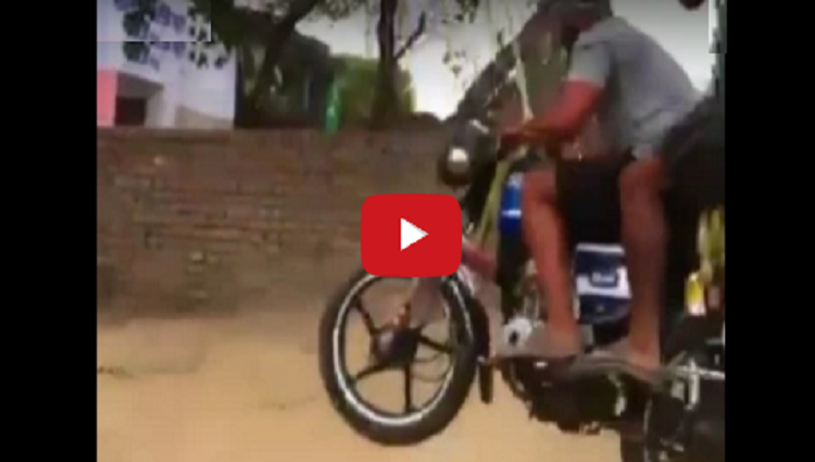 sardar made jhula of sawan by bike