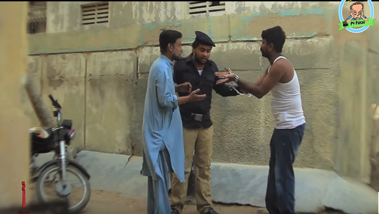 Police thief Funny Prank By Nadir Ali and Asim Sanata In P4 Pakao