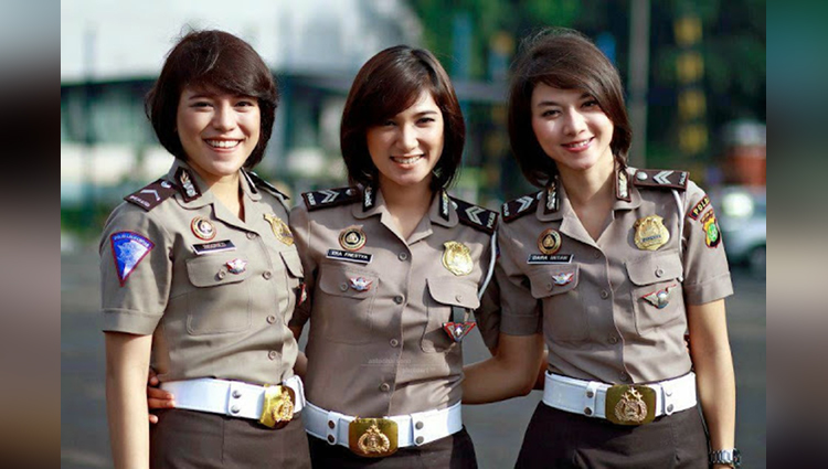 womens give virginity test to be police cop