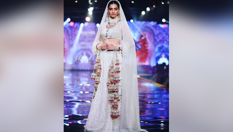 Sonam Kapoor looks DROP-DEAD-GORGEOUS as she walks the ramp in her bridal avatar