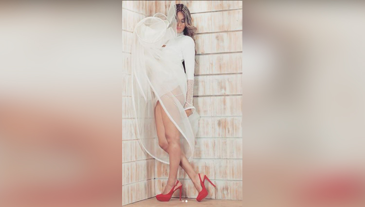 nia sharma hot photos
