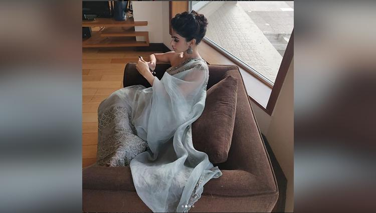 Mouni Roy in Saree Looks Stunning