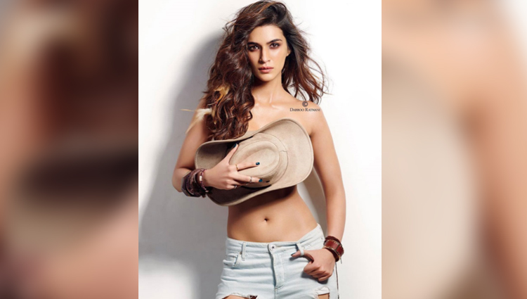 Kriti Sanon Sexy Photo bold and hot actress