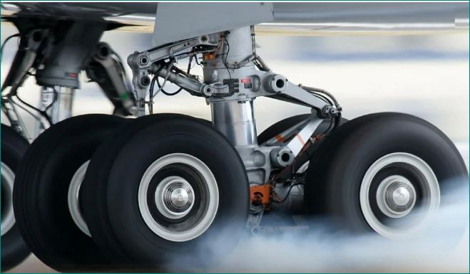 Why plane tires do not explode during landing