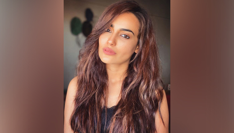 Surbhi Jyoti hot photos bold and beautiful photos