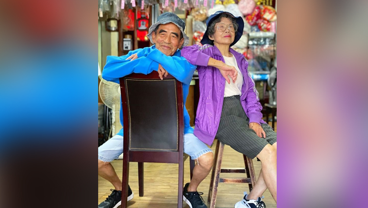 Elderly Taiwanese Couple Dress Up In Old Clothes