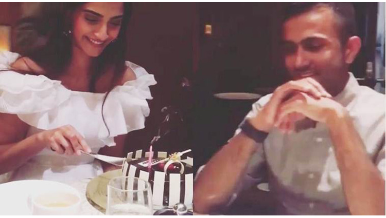 sonam kapoor cuts birthday cake with boyfriend anand ahuja