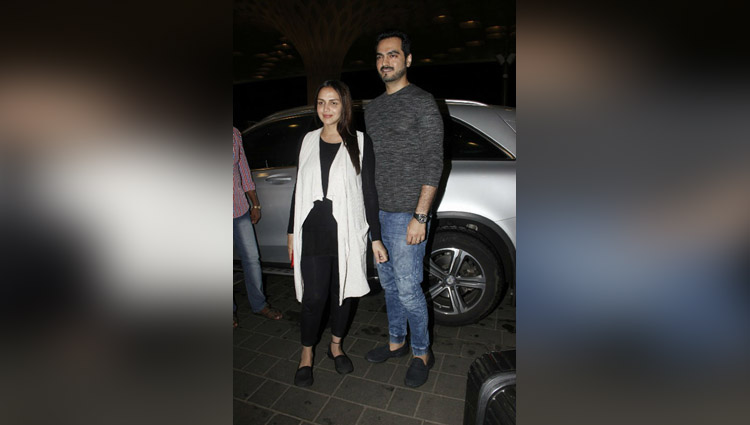 pregnant esha deol leaves for babymoon with husband