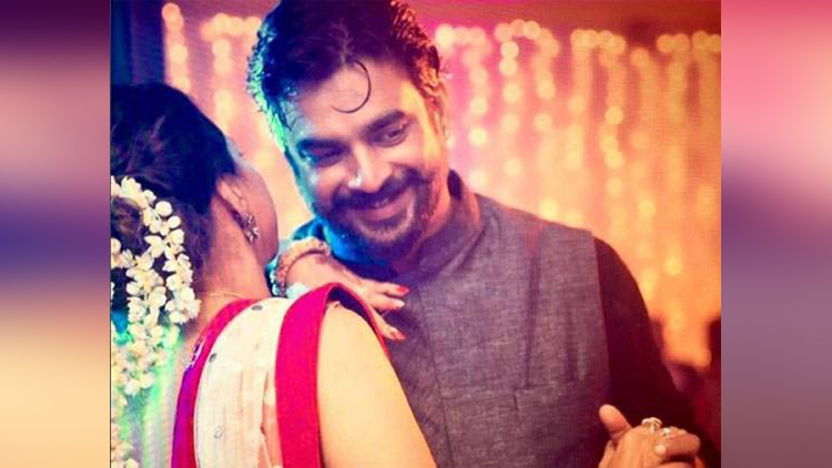 Bollywood's MADDY aka R.Madhvan Keeps His Wife With Him While Shooting For Intimate Scenes