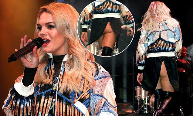 singer Louisa Johnson Oops moment