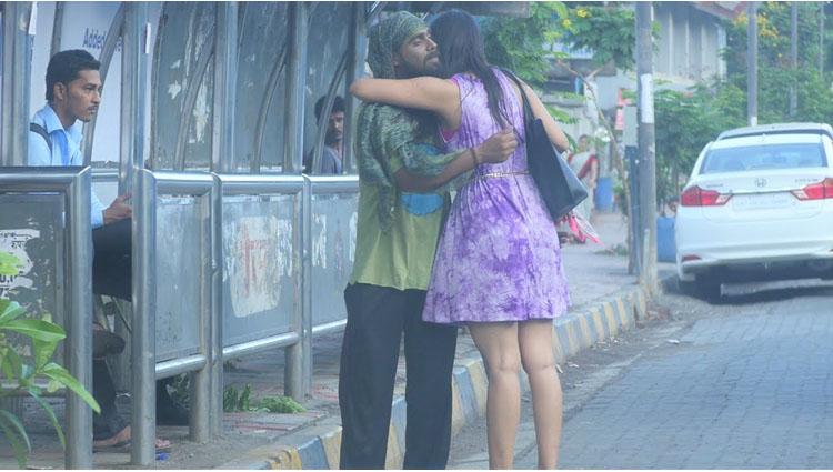 A Beggar Has An Extremely Hot Girlfriend