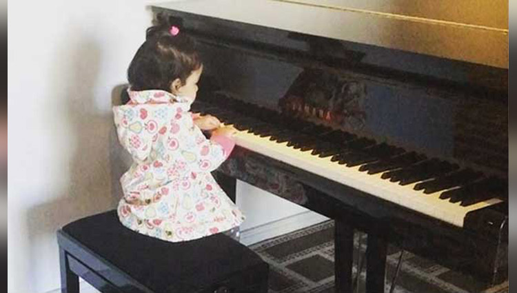 watch ms dhoni's daughter ziva displaying her musical talents
