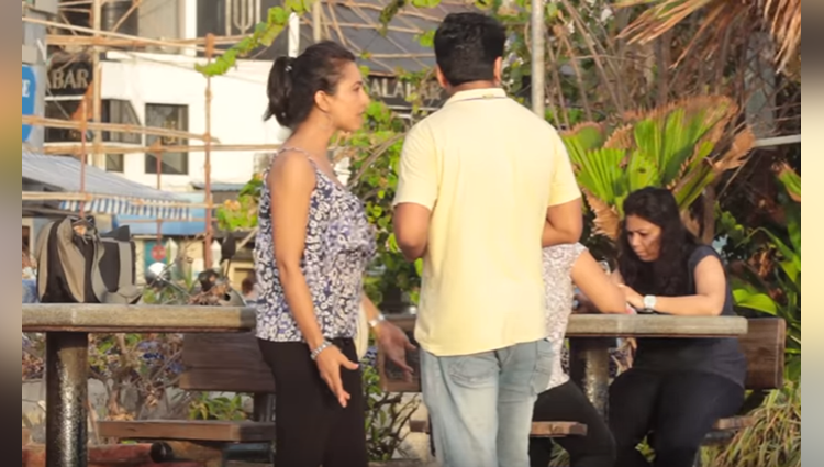 psycho couple fighting in public place prank on mumbai girls