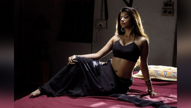 Ghulaam Actress Ridhima Tiwari hot photos viral on social sites