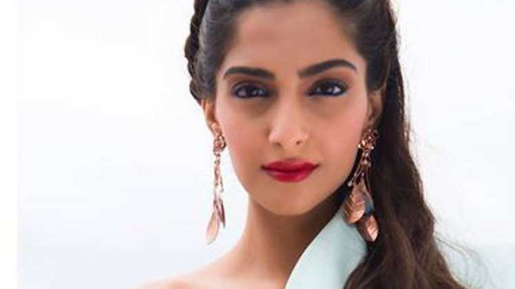 Sonam Kapoor shared a map of India without Kashmir, then deleted