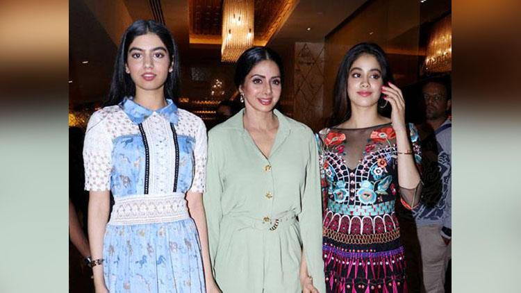Sridevi's Daughters Showing Glamours Avatar At MOM's Trailer Launch