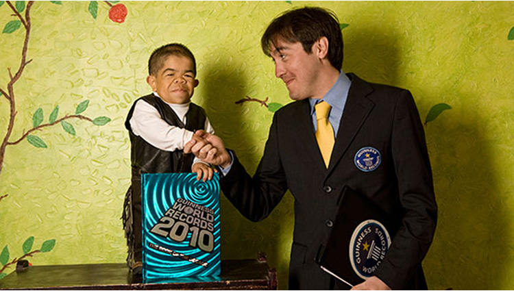 Edward Nino Hernandez worlds shortest man