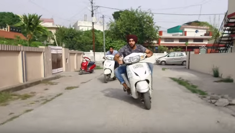 types of people while driving two wheeler
