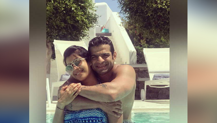 Yeh Hai Mohabbatein actor Karan Patel wife Ankita Bhargava share romantice photos