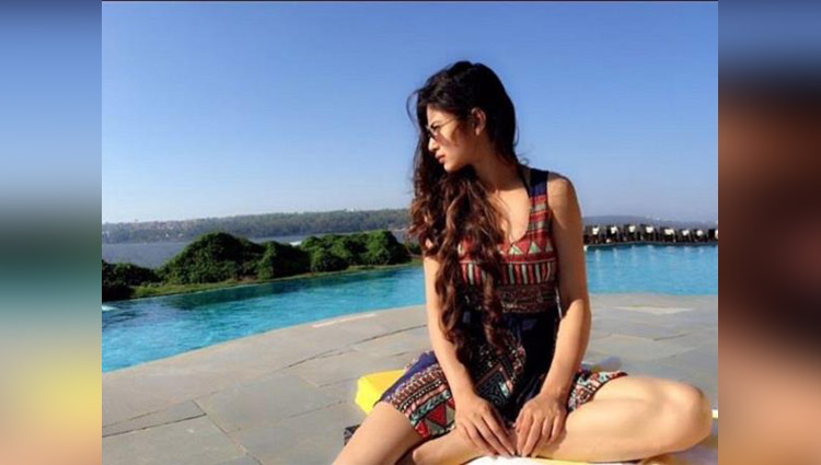 Mouni Roy's Vacation Pictures Are Making Us Super Jealous; See Photos!