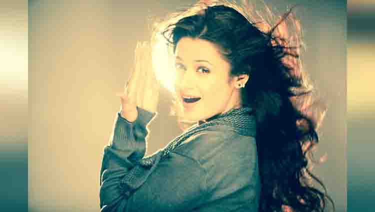 Yuvika Chaudhary hot and sexy tv and bollywood actress