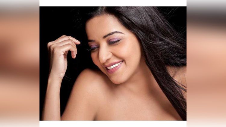 Bhojpuri actress monalisa topless photo