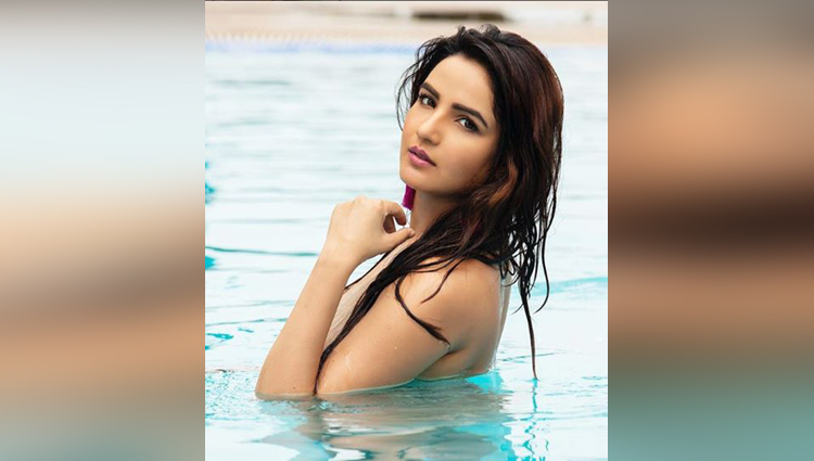 jassmin bhasin share her hot photos