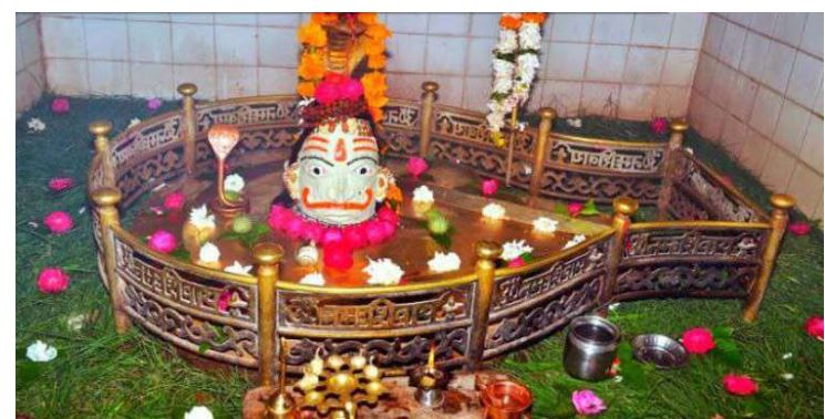 Read why these devotees offer broom to Lord Shiva