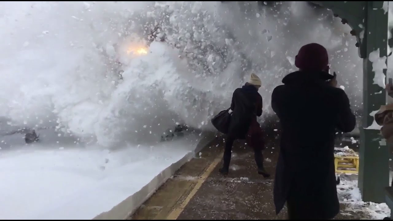 Amtrak Train Slams Passengers With Snow Rhinecliff New york