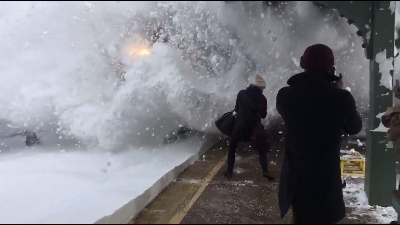 Amtrak Train Slams Passengers With Snow Rhinecliff New york