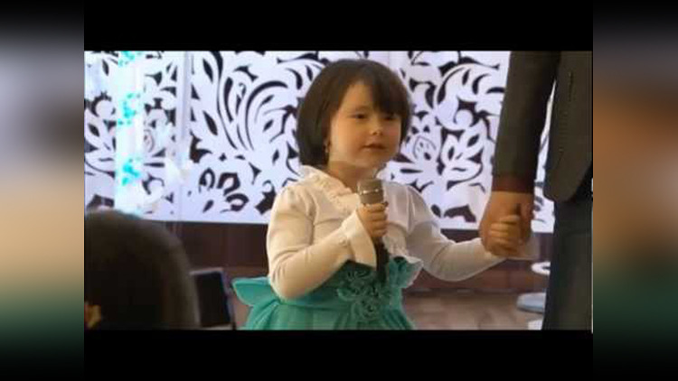 Zubi Dubi Zubi Dubi 3 Idiots Song by cute little uzbek girl