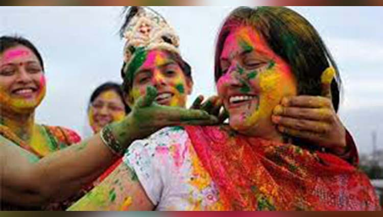 special celebration of holi in mandi himachal pradesh