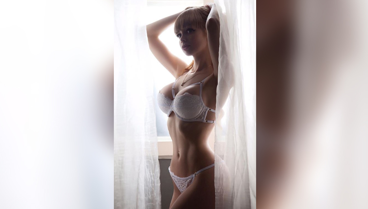 Angelica Kenova hot photos bold model nude photos