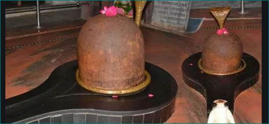 Miraculous Shivling in Dholpur changes colour thrice a day