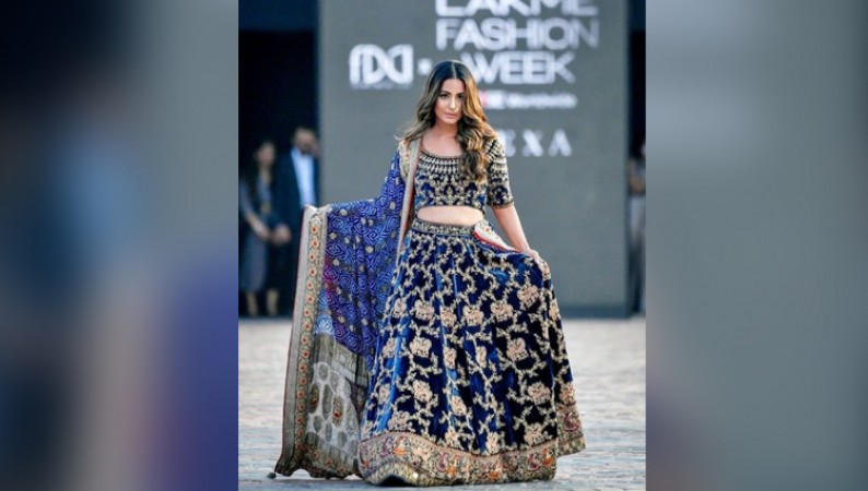 HINA KHAN lakme fashion wEEk