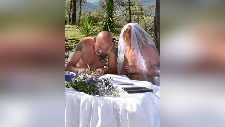 couple marry nude in front of strangers in new zealand