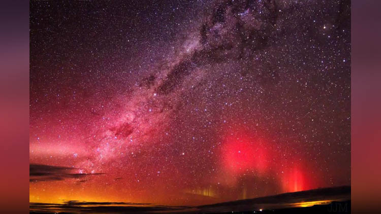 These Pics Of Southern Lights Taking Over The New Zealand Skies