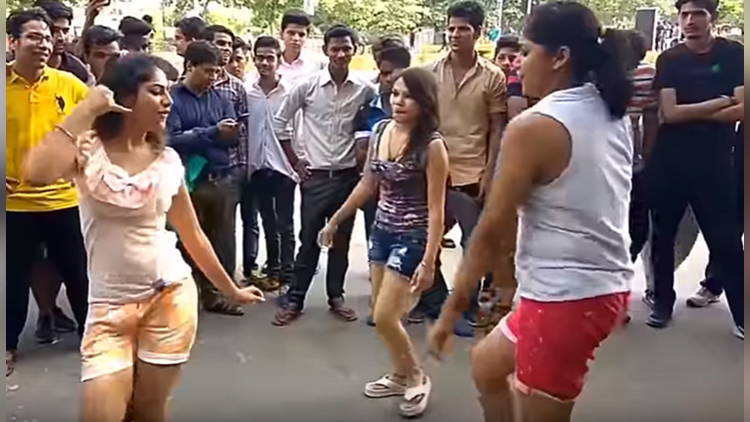 Delhi Girls Dancing video