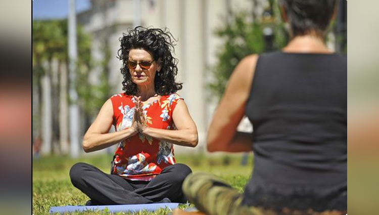Florida judge teaches yoga at her courthouse Its for their own good