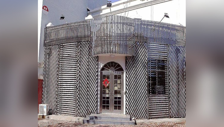 shandong homeowner builds steel cage around his house to fend off