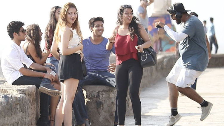 Singing Justin Bieber Songs BADLY In Public Prank in India Baap Of Bakchod Raj