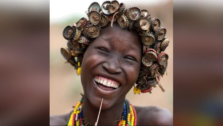 Ethiopian Tribe Turns Trash Into Beautiful Jewellery