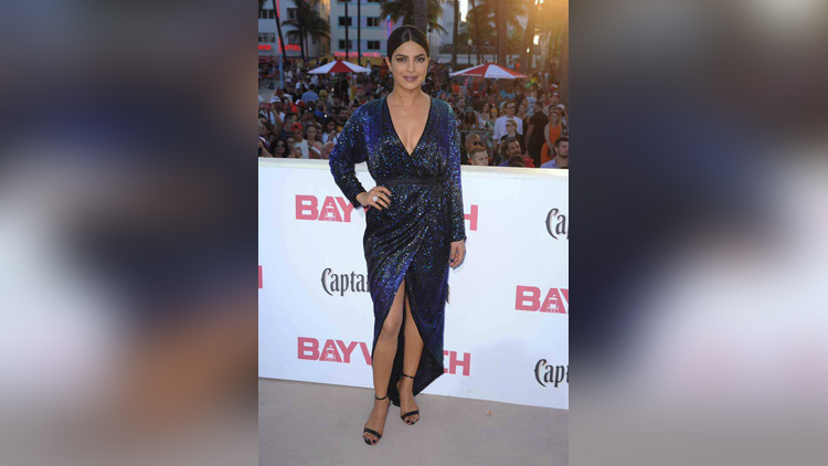 priyanka chopra dazzles on the red carpet of baywatch world premiere in miami