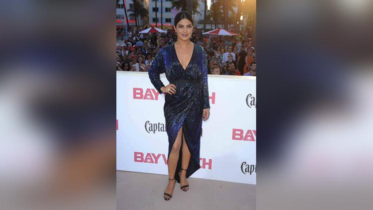 priyanka chopra dazzles on the red carpet of baywatch world premiere in miami