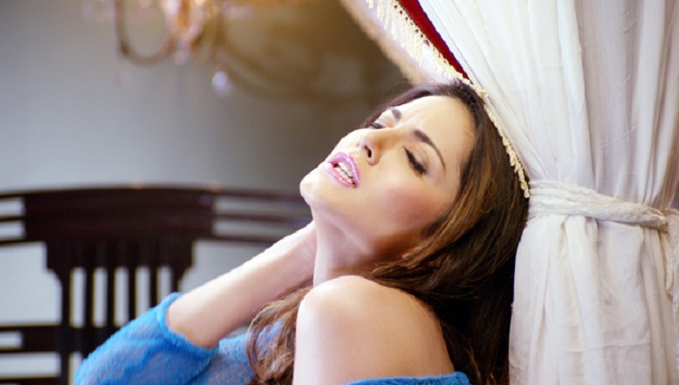 top sexy videos of Sunny Leone