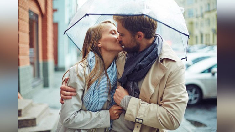 5 Facts About Kissing You Never Knew Before!