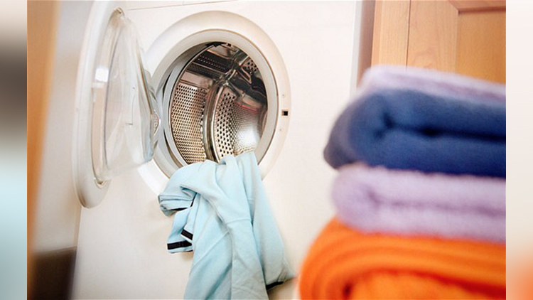 washing clothes by light in future