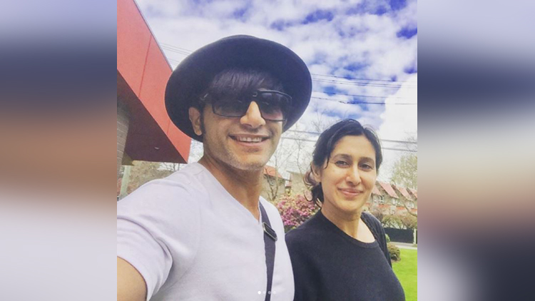 Karanvir Bohra & wife's first photo shoot with twins baby girls on mothers day